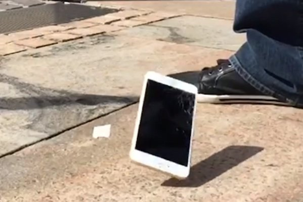 iPhone 6 and 6 Plus Drop Test-7