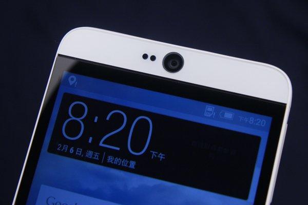 ▲前置鏡頭採用了HTC 高階型號獨有的 Ultra Pixel。