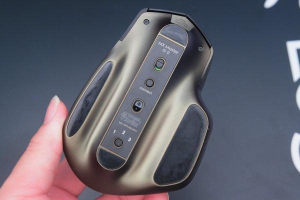 ▲可以用藍牙或 Logitech Unifying 接收器進行連接。