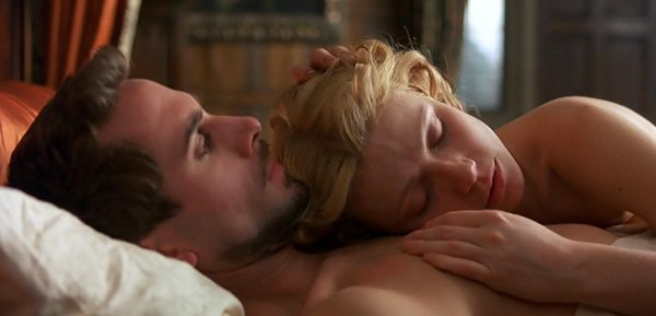 shakespeare-in-love-1998-movie-review-william-shakespeare-viola-de-lesseps-in-bed-gwyneth-paltrow-joseph-fiennes-best-picture
